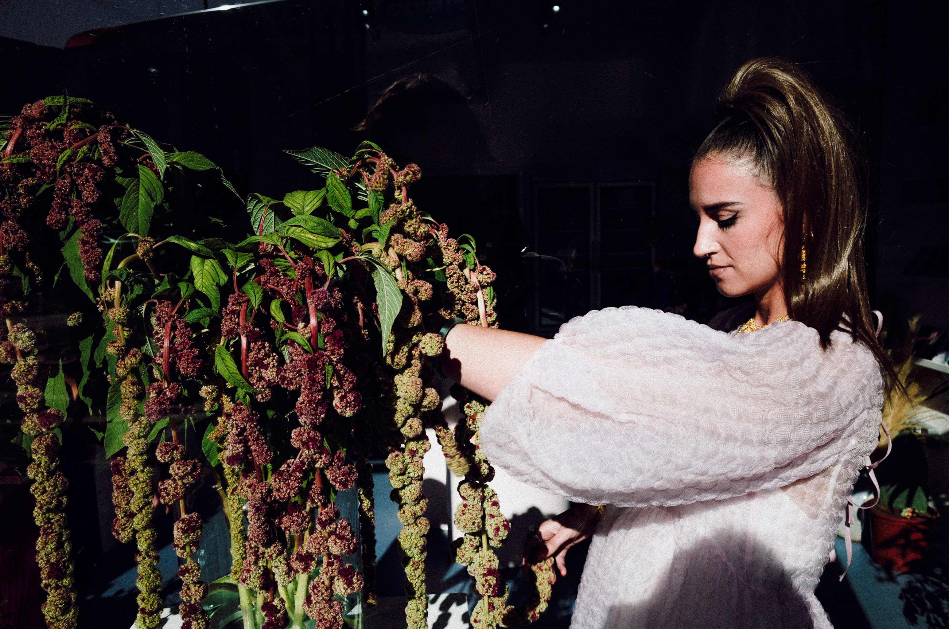 Iona, Romy, Flowers and Everything - © Lauwd